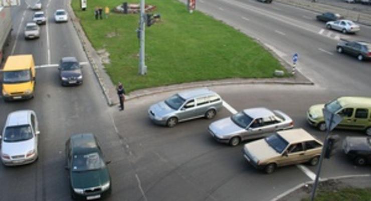 Автомобили каких цветов чаще всего попадают в ДТП