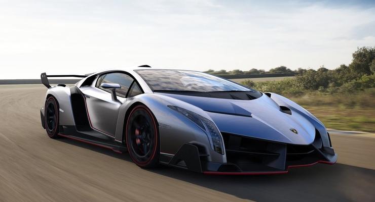Названы 100 самых уродливых автомобилей в истории