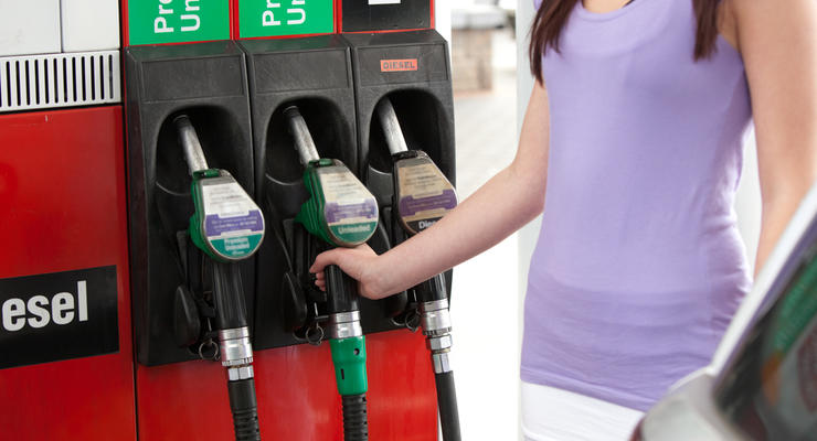 Бензин продолжает дешеветь, прогнозы оптимистичны