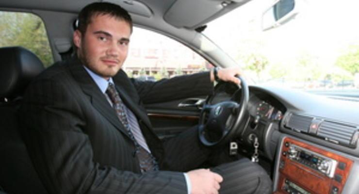 Президент Украины критикует дороги, его сын – автопром