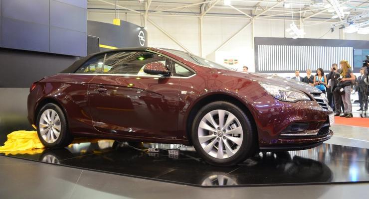 SIA 2013: Opel Cascada приехал в Киев с ценником