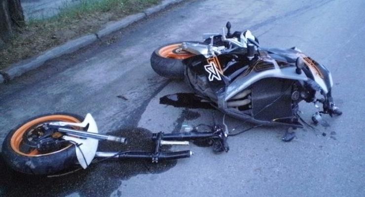 В Киеве два парня насмерть разбились на мотоцикле