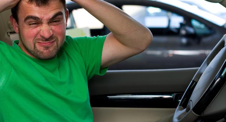 Убитые дороги портят нервы, сосуды и спины водителей
