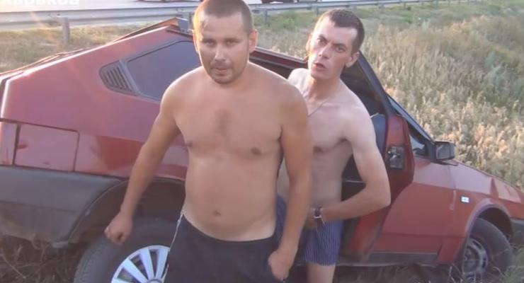 В ДТП попал пьяный гаишник, а его друг показал член (ВИДЕО)