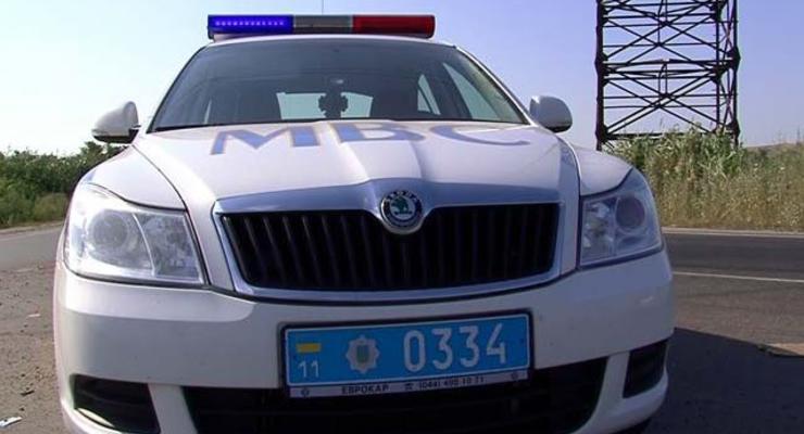 Под Киевом Кобра напала на девушку и устроила ДТП