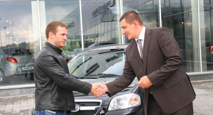 Кабмин хочет доплачивать за покупку украинских авто