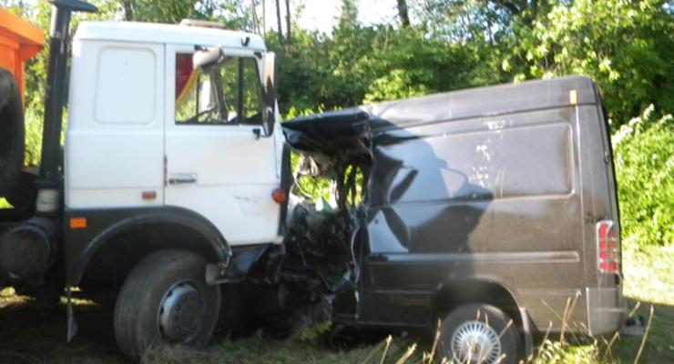 В Хмельницкой области грузовик раздавил 9 человек