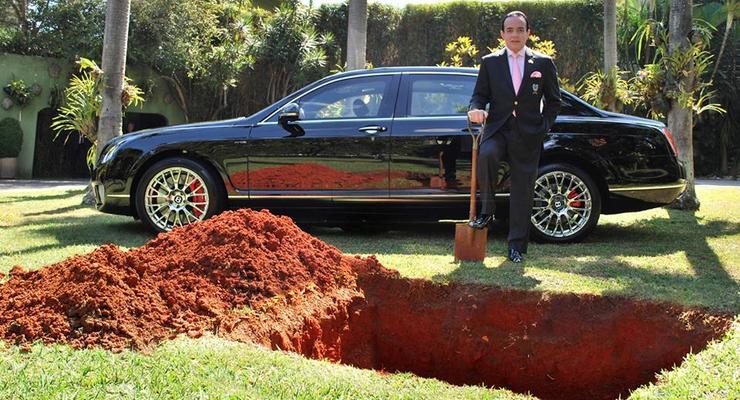 «Граф» решил похоронить Bentley для загробной жизни