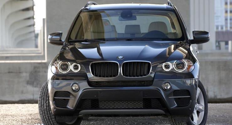 Сын судьи на BMW сбил девушку в Луганске и скрылся