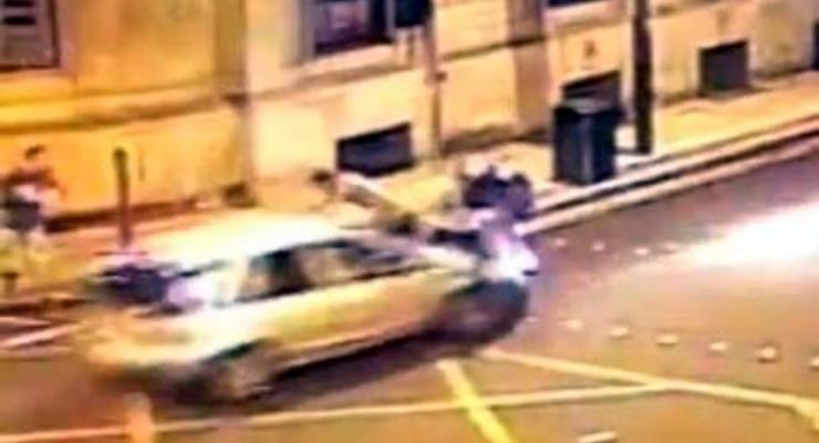 Водитель умышленно сбил трех пешеходов (ВИДЕО ДТП)