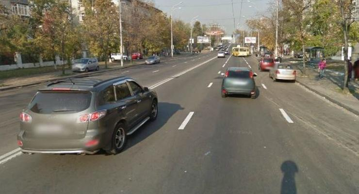 Водитель избил и ограбил киевлянина на глазах у ребенка