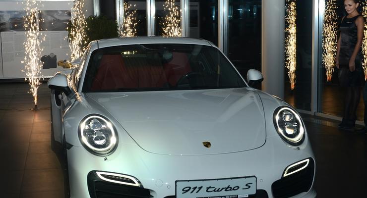 Самый мощный Porsche 911 представили украинцам