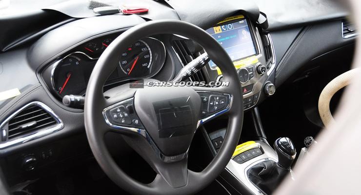Новый Chevrolet Cruze: интерьер уже рассекречен