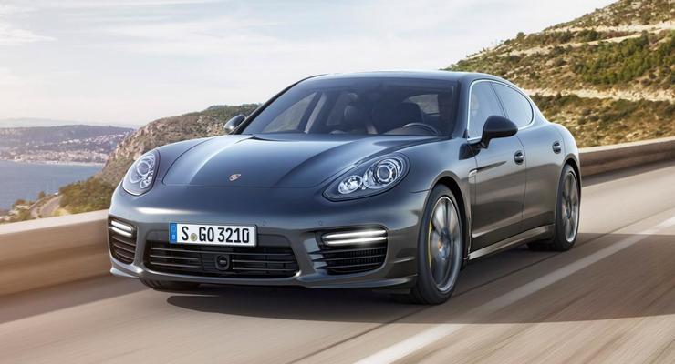 Супермощный Porsche Panamera: названа цена в Украине