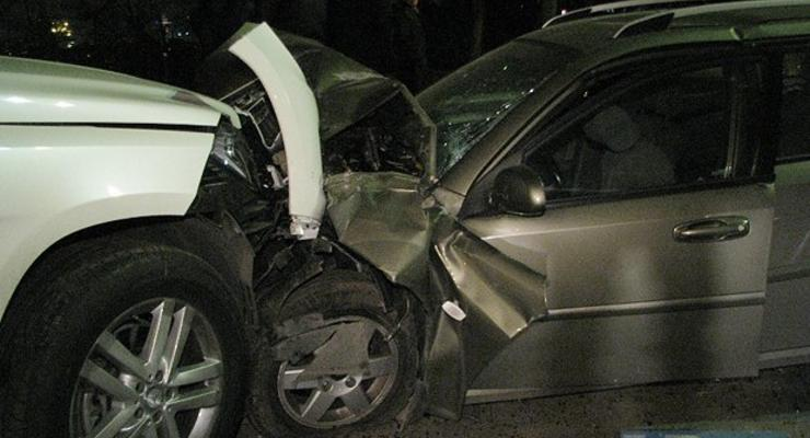 В Киеве в ДТП с маршруткой разбились четыре машины