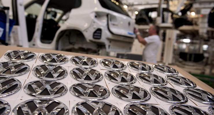 Volkswagen отзывает более миллиона машин из-за фар