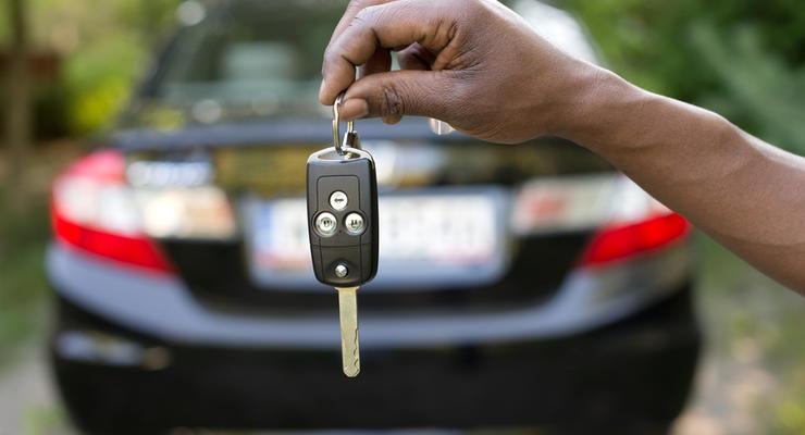 Авто в кредит: люди платили 3 года и остались ни с чем
