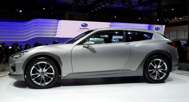 Subaru показала две новинки: паркетник и универсал
