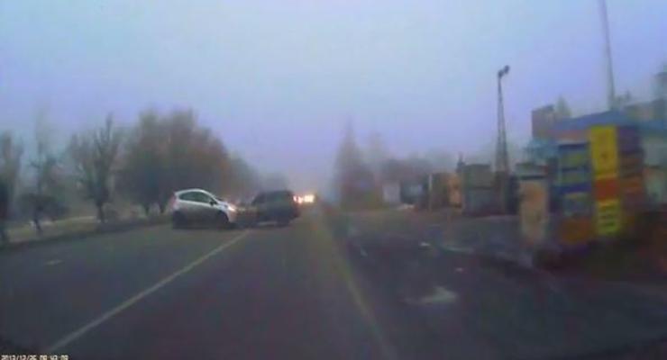 Под Харьковом водитель спас собаку и чуть не погиб