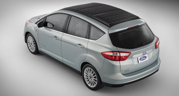 Новый Ford проезжает 1000 километров, питаясь солнцем