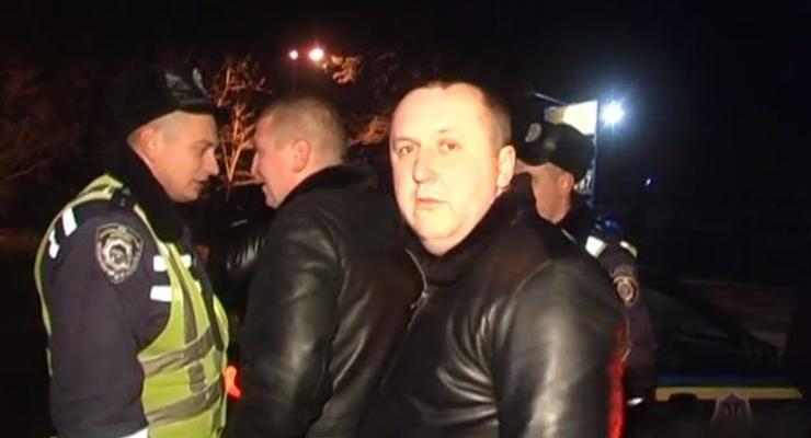 Пьяные люди угрожали сломать гаишника и позвать Кличко