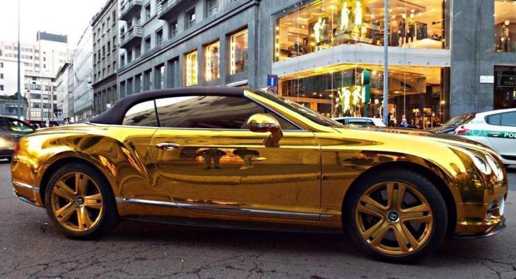 По Европе разъезжает золотой Bentley с донецкими номерами