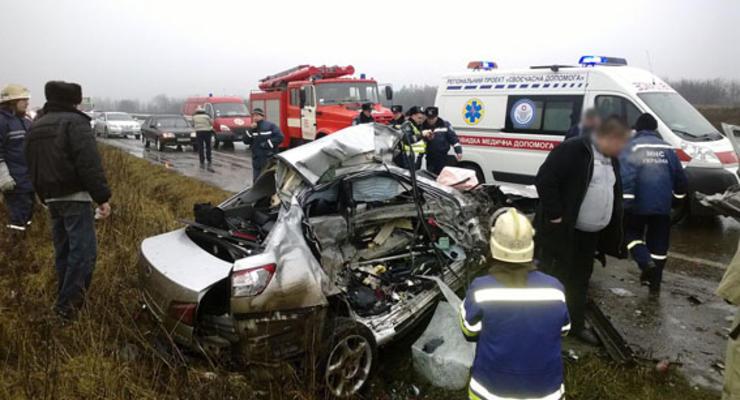 Под Донецком Lexus протаранил «скорую», двое погибли