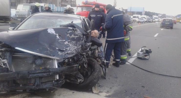 ВИДЕО лобового ДТП в Киеве. Погиб один из водителей