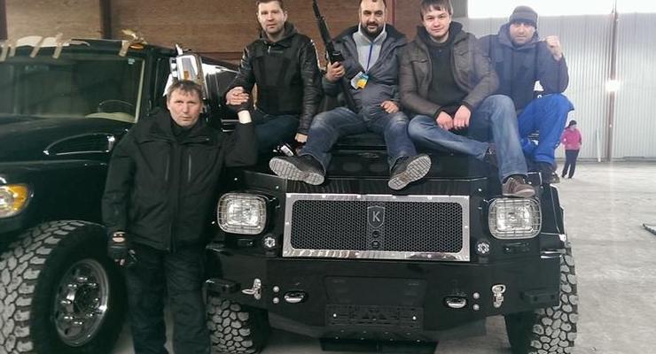 Самооборона уверяет, что вернула автопарк Януковича
