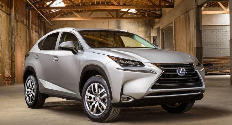 Lexus рассекретил свой самый доступный кроссовер
