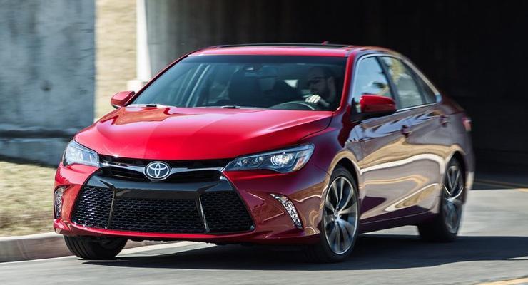 Toyota Camry обновилась и стала самой спортивной