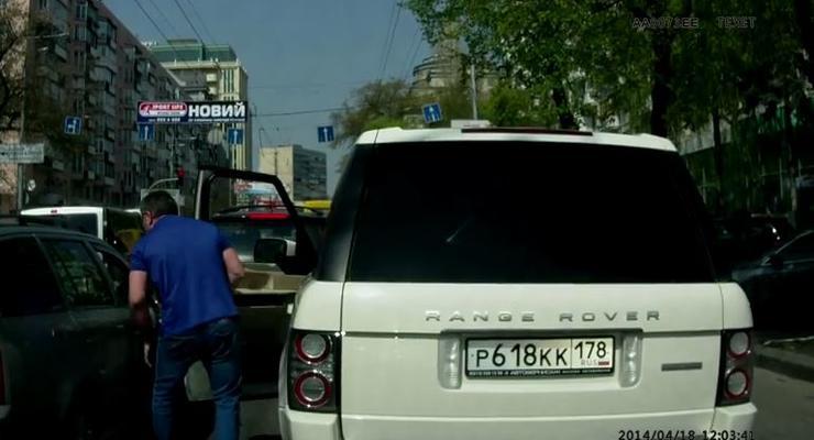 Россиянин на Range Rover «качал права» в Киеве (видео)