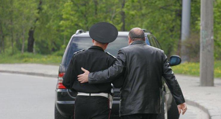 Начальник ГАИ поручил снимать на видео водителей-взяточников