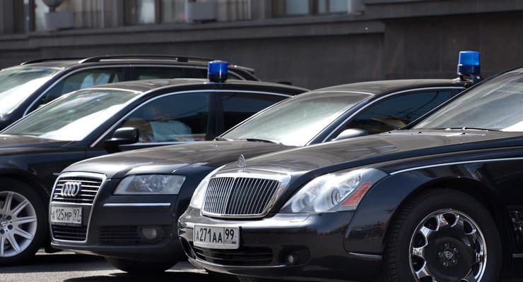 В России чиновникам запретили покупать импортные автомобили