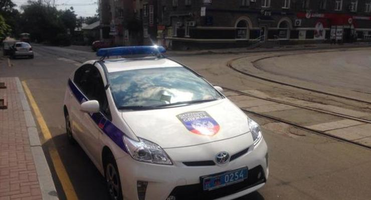 В Донецке появилась «полиция». Автопарк МВД перекрасили под ДНР