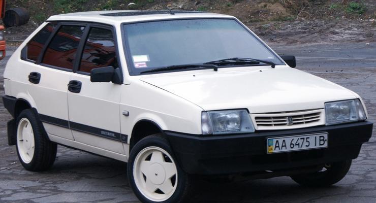 Как установить люк на автомобиле ВАЗ 2109