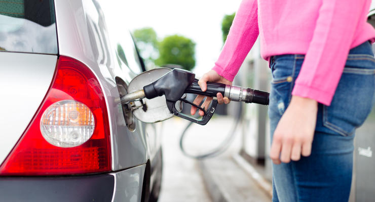 Бензин в Киеве снова подорожал, хотя цены завышены на гривну – АМКУ