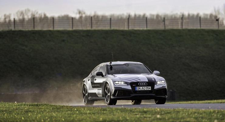 Audi без водителя установила рекорд гоночной трассы (фото)