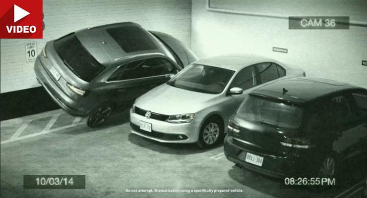 Ауди показала парковку автомобиля Q3 на двух колесах (видео)