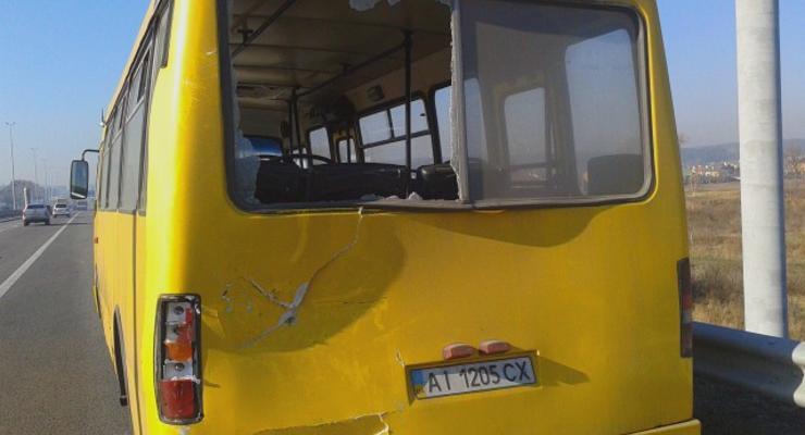 Под Киевом из-за плохой видимости разбились сразу 14 машин (фото)