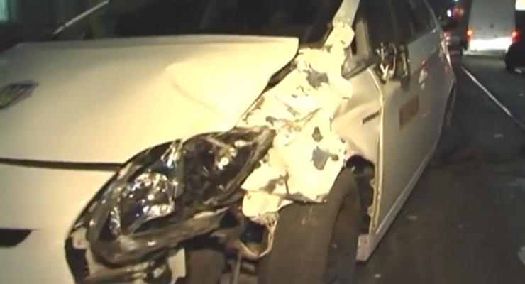 В Киеве милицейская машина попала в аварию (видео)