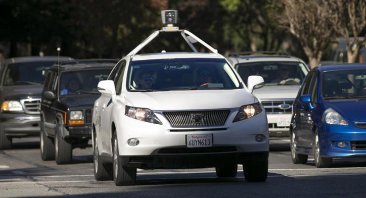 """Беспилотный автомобиль от Google научат """"напористому вождению"""""""