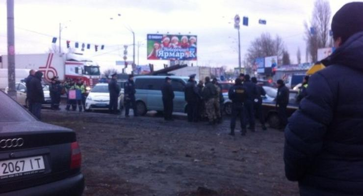В Киеве милиция ловит автобус с заложником (фото, обновлено)