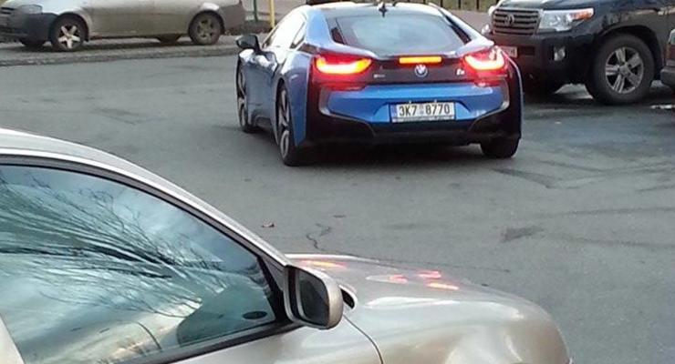 На киевских улицах заметили уникальный спорткар (фото)