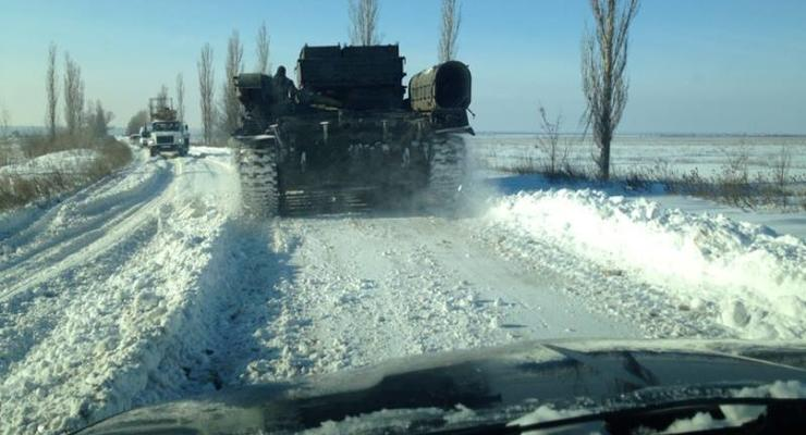 На Николаевщине транспортный коллапс, дороги пытаются чистить бронетехникой (фото)