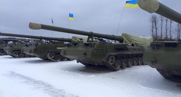 В новый год на новом танке: армия получила сто бронемашин (фото)