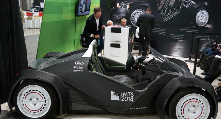 На моторшоу в Детройте автомобиль печатают на 3D принтере