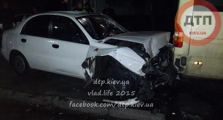 Водитель Дэу разбил в Киеве пять машин и сбежал (фото)