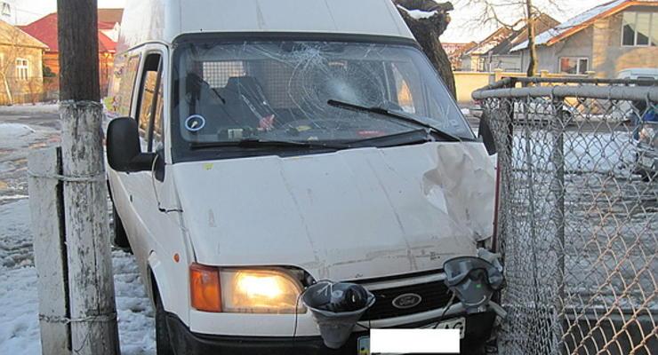 На Закарпатье циркачи сбили пешеходов и сбежали, бросив авто