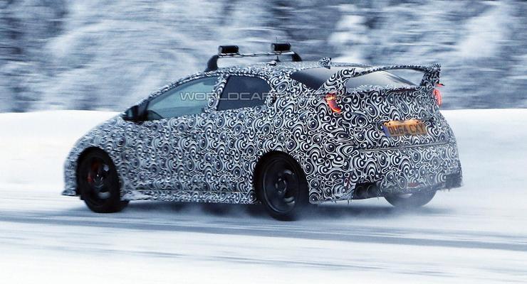 Honda Civic Type R сфотографировали на тестах незадолго до премьеры